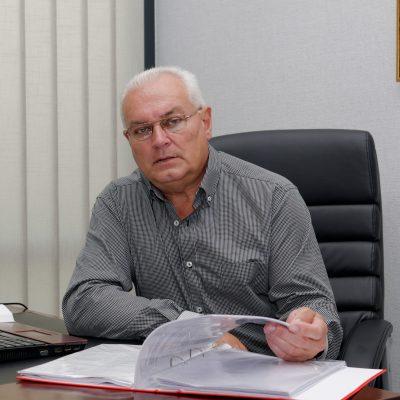 Петьо Василев